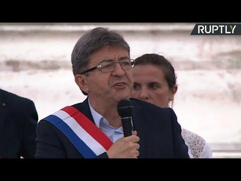 Jean-Luc Mélenchon s'exprime lors du rassemblement contre le réforme du code du travail