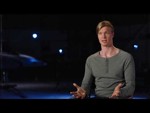 "Star Wars: The Last Jedi: Joonas Suotamo ""Chewbacca"" Behind the Scenes Official Movie Interview"