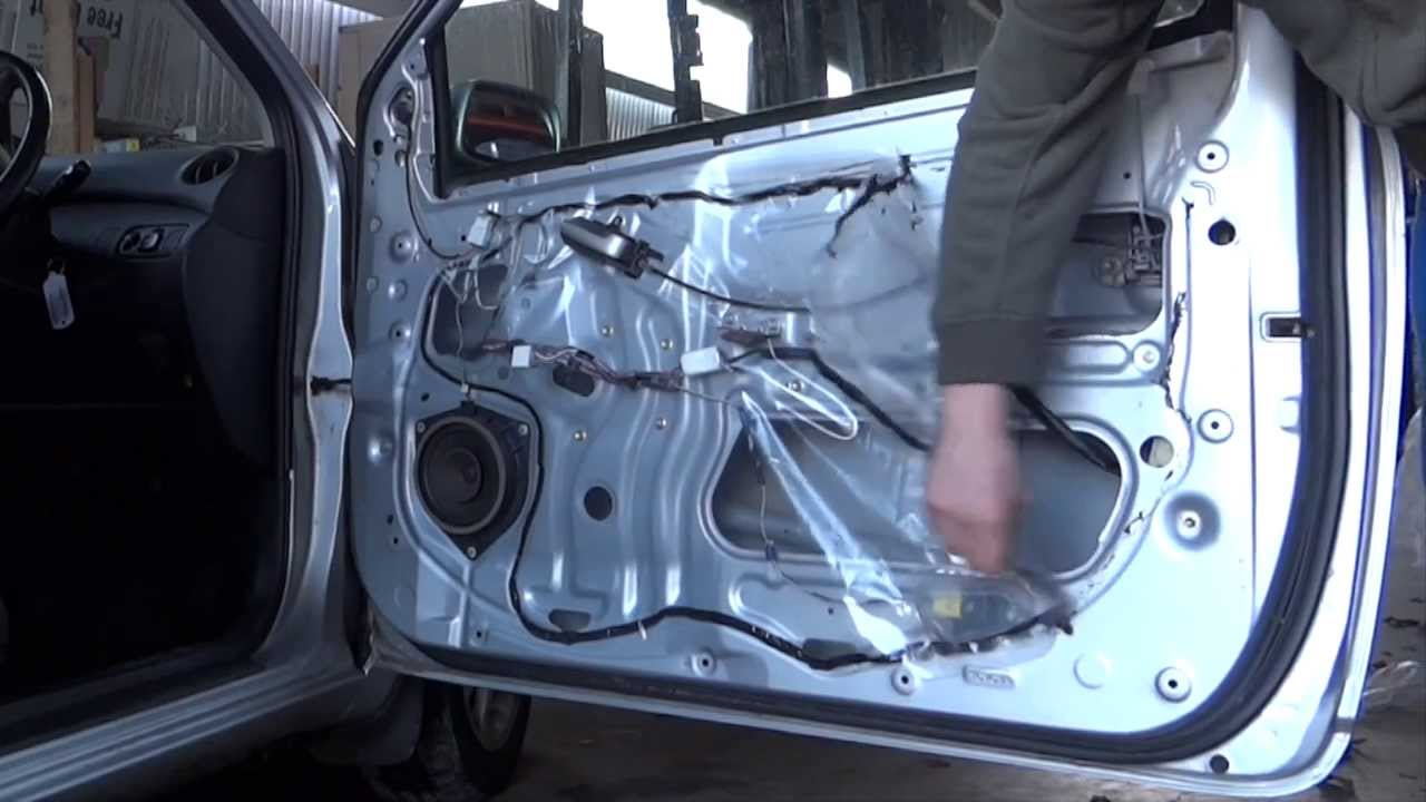 Rattly door repair on a Toyota Yaris - YouTube