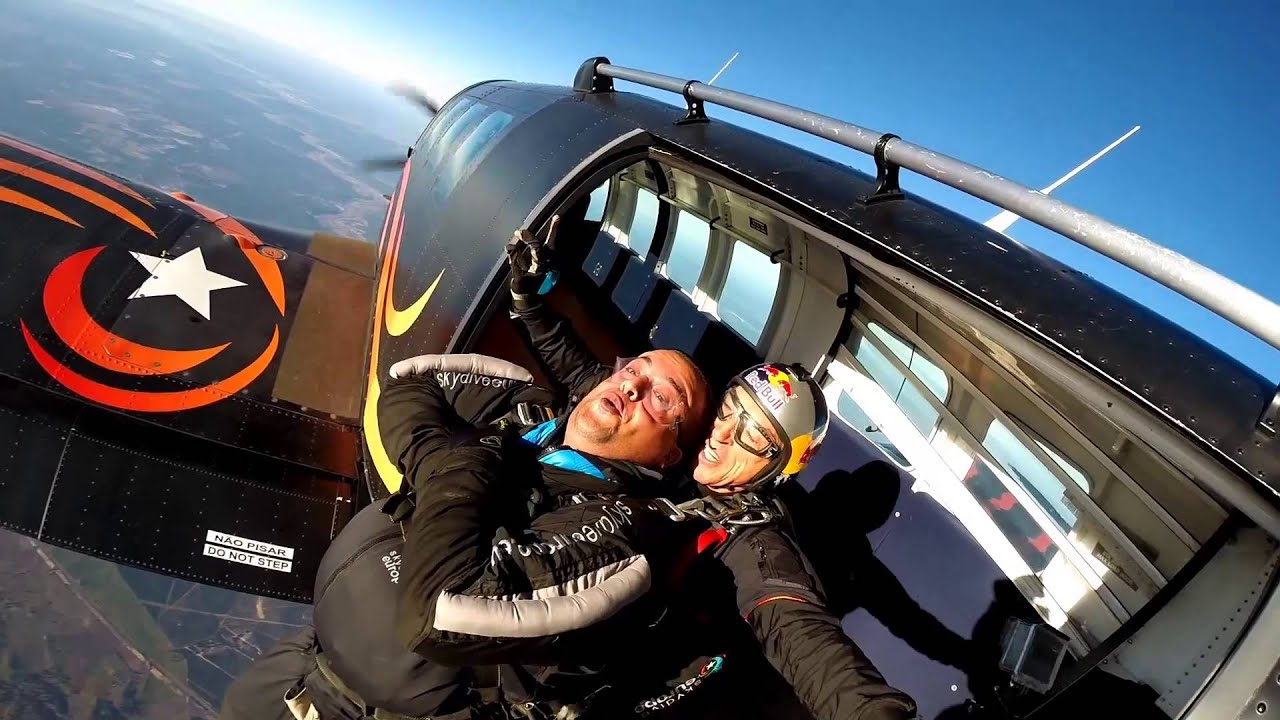 Vodafone #Firsts: Mohamed's First Skydive (with subtitles)