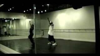 b krazi and phoenix dancing to sexual eruption