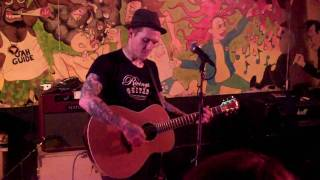 """Blue Jeans and White T-Shirts"" - Brian Fallon of The Gaslight Anthem (5/7/2010)"
