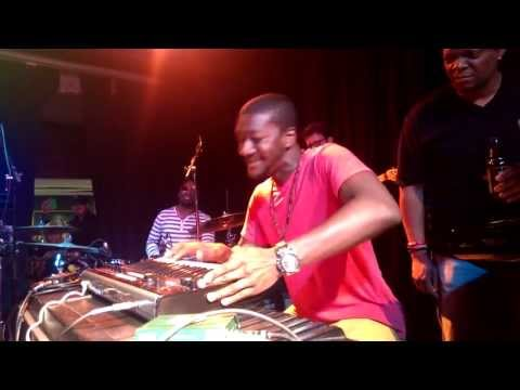 Snarky Puppy - Lingus (live In Dallas May 4th, 2013)