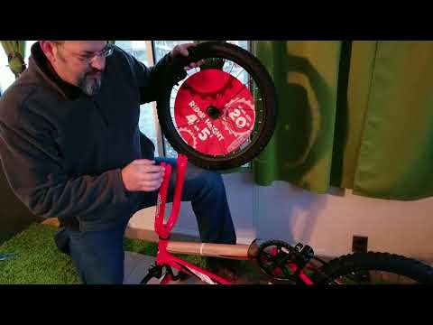 "UnBoxing Assembly Boys Rallye Malice 20 inch Bike bought from Toys""R""Us easy"