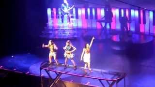 Download Violetta en vivo Gran Rex Veo veo - Violetta, Camila y Francesca MP3 song and Music Video