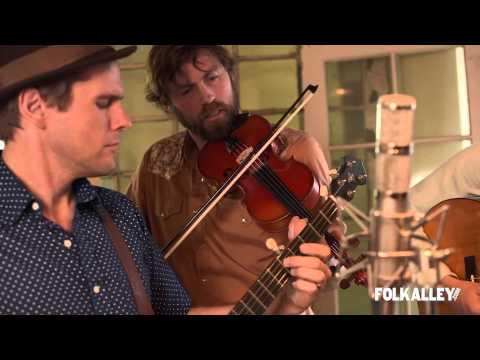 """Folk Alley Sessions: The Steel Wheels - """"Mountains Quake/Find Your Mountain"""""""