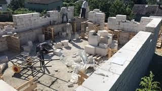 Фундамент - монолитная плита 250 мм бетон м300 сделали за 6 дней, Кладем стены цокольного этажа.
