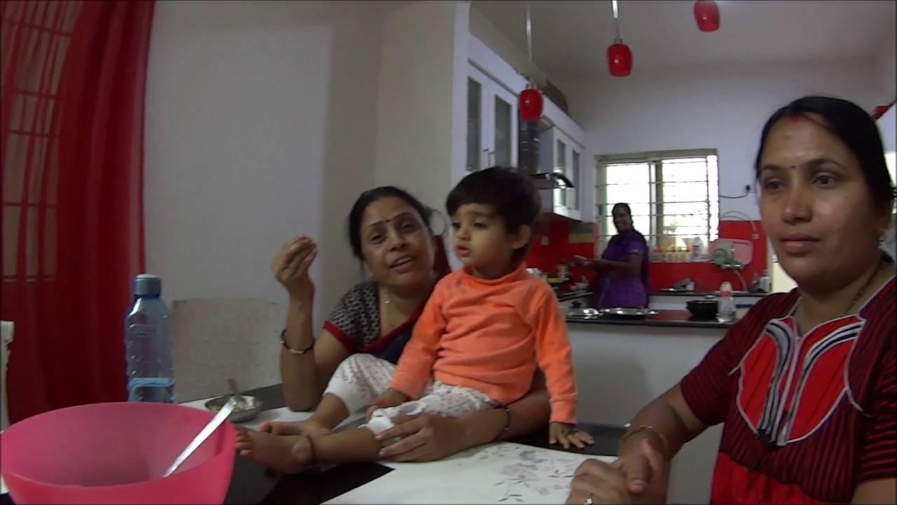 Утро в индийской семье.  Еда, дети, молитва, готовка, соседи, слуги
