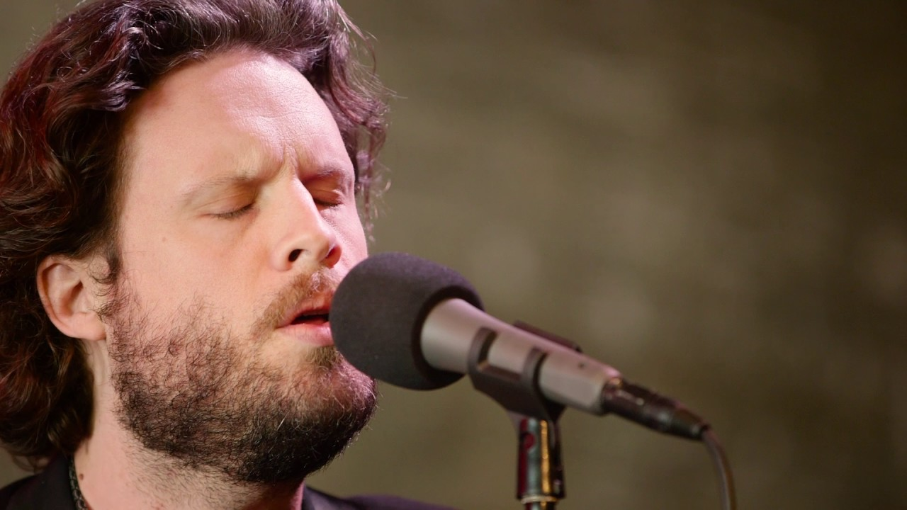 father-john-misty-total-entertainment-forever-live-microshow-for-the-current-the-current