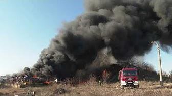 Пожар автоморга Хасково - над 100 коли се стопиха