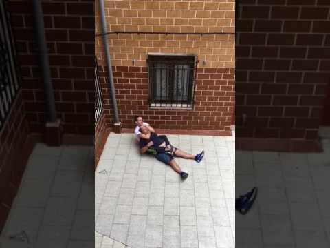 Trifulca entre dos vecinos acaba con un detenido en Santurtzi