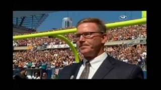 Jim Cornelison sings National Anthem at Soldier Field on 9/11/11