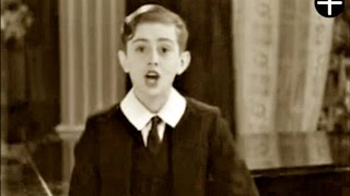 Video Graham Payn boy soprano sings In An Old Fashioned Town 1932