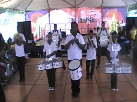 ZC FLAWLESS DRUMLINE'S 2010 TASTE OF CHICAGO PERFORMANCE .wmv