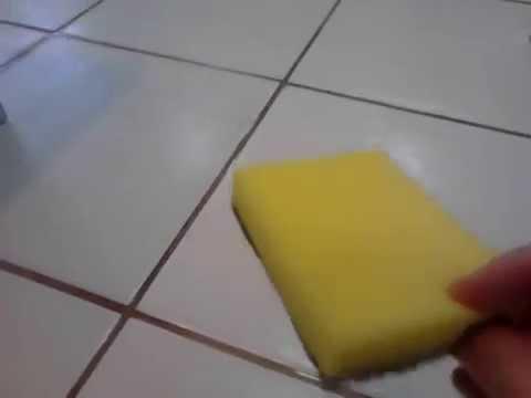 como tirar mancha amarela de geladeira