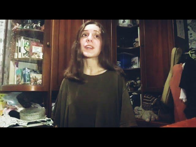 Изображение предпросмотра прочтения – АленаКоролева читает произведение «Я усталым таким еще не был...» С.А.Есенина