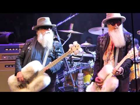 "ZZ Top   ""Sharp Dressed Man"" & "" Legs""  LIVE! @ the Cape Cod Melody Tent  Hyannis MA  08 28 18"