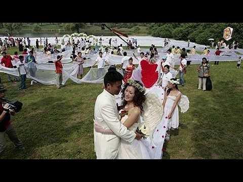 أغرب 10 حفلات زواج في العالم thumbnail