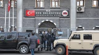 Sur Belediye Başkanı gözaltında; Eren Bülbül'ü şehit eden teröristin cenazesine katılmış