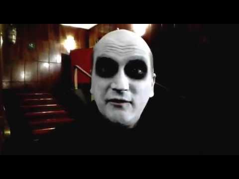 #AlzateviDalDivano La Famiglia Addams al Teatro Nuovo di Milano
