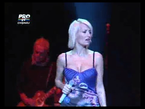Sarah Connor - Cold As Ice & Carry Me Home Live in Moldova 25.11.2010