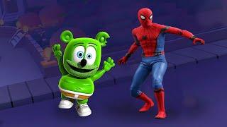 SPIDER-MAN VS GUMMY BEAR RUNNING.WHO CAN WIN?