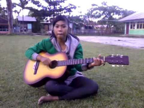 Video Cute Girl Sing A Song