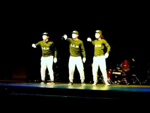 Highschool Talent Show #2 Dubstep Dance