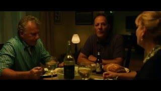 Одержимость (2014) - Сцена за столом