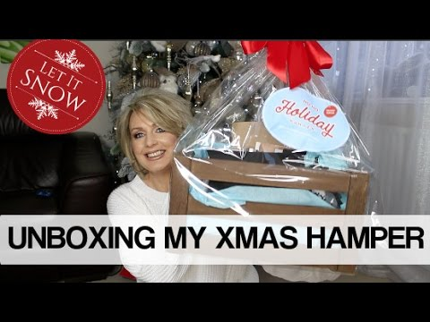 UNBOXING My Ho Ho Holiday Hamper from SNS | #SNSHamper