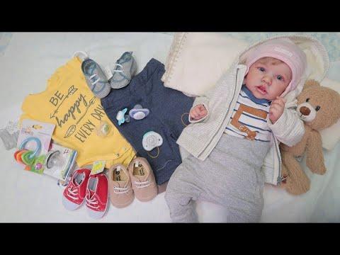 Переодевание реборнов Саши и Оли. Обзор покупок одежды, сосок и игрушек. Зырики ТВ