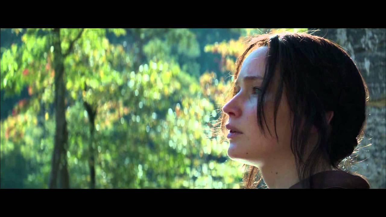 Photo of julianne moore ภาพยนตร์ – The Hunger Games Mockingjay Part 1 Final Trailer [HD]