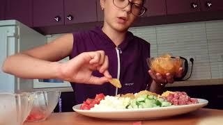 """Салат ,,Ромашка"""" дуже смачний салат на свята і в будні дні"""