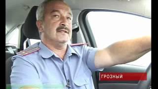 Наша служба и опасна и трудна Чечня.(Комментарии к видео доступны на http://www.groztrk.net Когда сотрудник ГИБДД останавливает машину, водитель часто..., 2012-07-04T09:24:12.000Z)