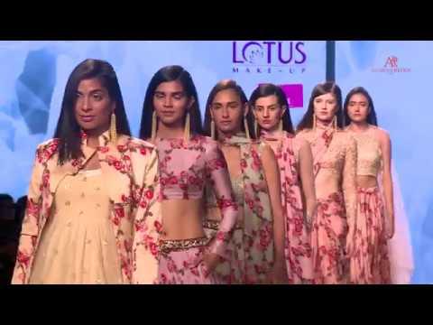 ASHWINI REDDY :  FDCI LOTUS MAKEUP INDIA FASHION WEEK