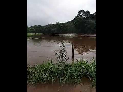 Enchente Rio Araçuaí Ponte do Real. Felício dos Santos MG janeiro de 2020