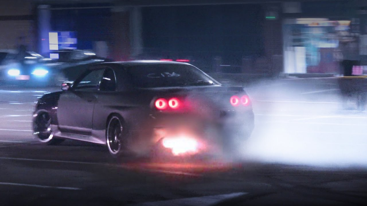 Nissan Skyline R33 Car Park Fun Youtube