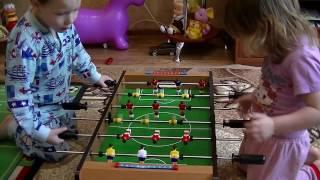 #Настольный #футбол вместо компьютера! #Игра для всей семьи!