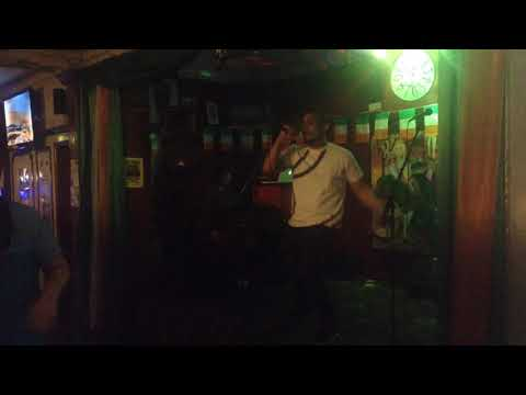 Snabe Rings Performs I Get It | The Queens Head Pub Stratford London UK