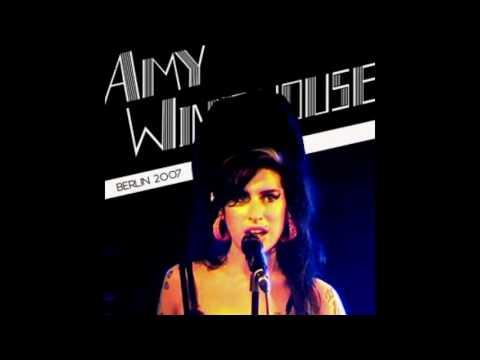 Amy Winehouse live at Kalkscheune, Berlin, Germany 2007 (Full Audio)