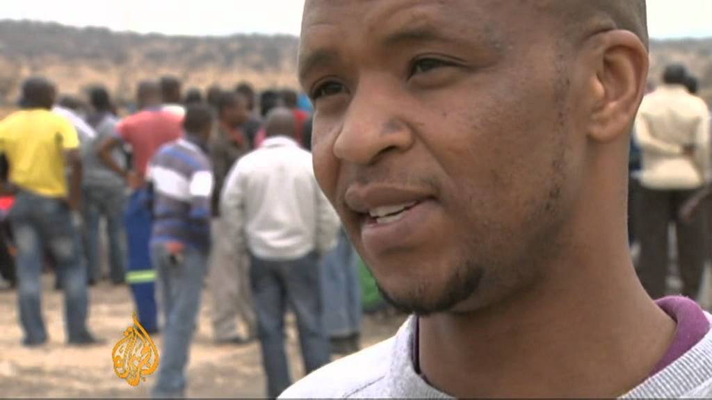 Strikers regroup at South African mine