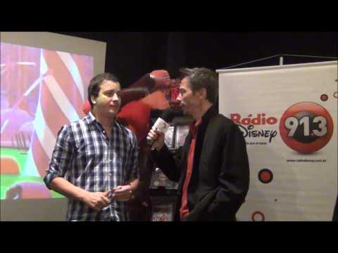 RAFAEL CORTEZ ataca de dublador em animação
