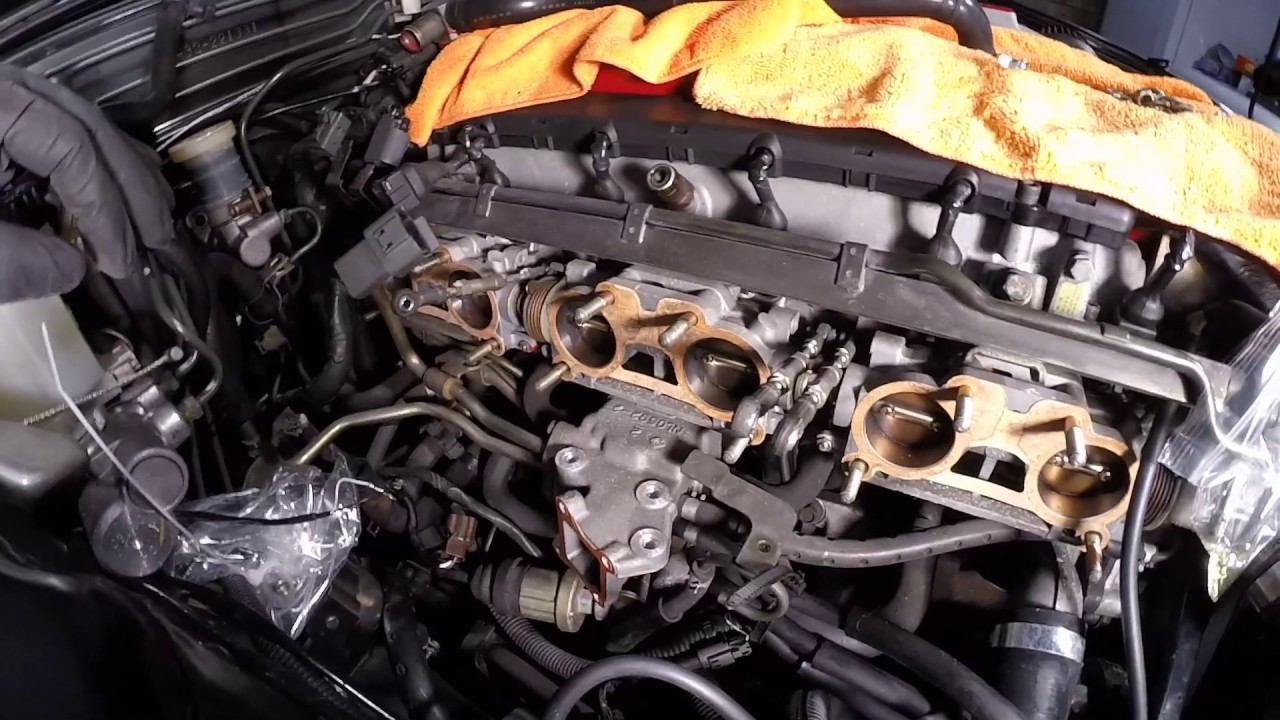 Rb26    Intake       Manifold    Removal HowTo on a R32 GTR  YouTube