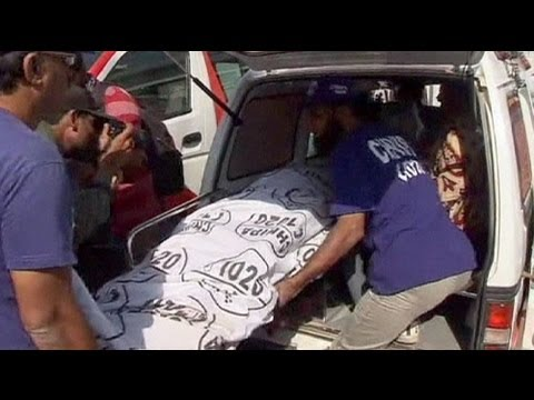 Polio vaccination workers shot dead in Pakistan