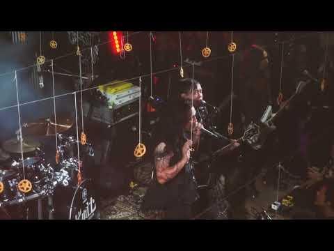 KOIL - KESEPIAN INI ABADI (Live at Megaloblood Showcase)