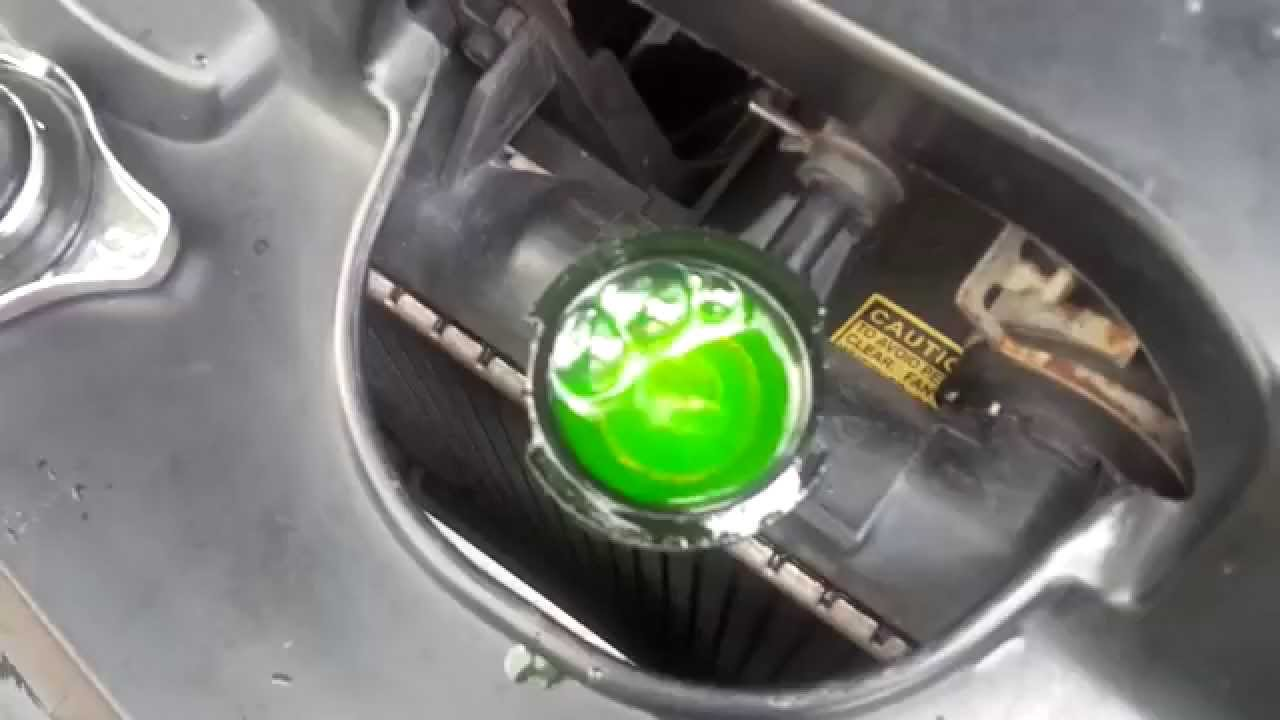 Bubbles Out Of Radiator Fill Hole 1 2004 Honda Civic Youtube
