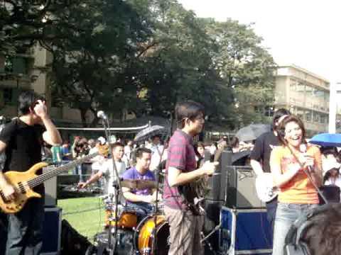 HALE-Bahay Kubo-Umagang kay ganda(live)