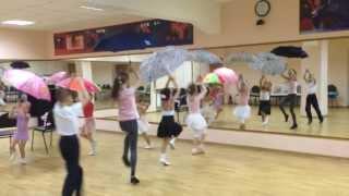 Он-лайн урок в LET'S DANCE CLUB .Танец с зонтиками I часть.Репетиция. Оксана Кузьмина(Подготовка номера