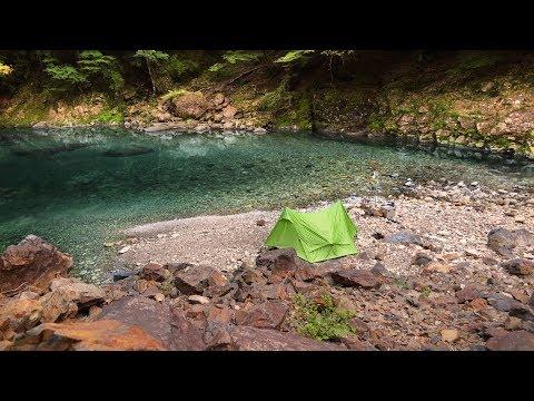 泉のほとりでソロキャンプ1