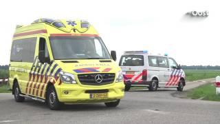 Auto's belanden na zware crash in weiland bij Kallenkote